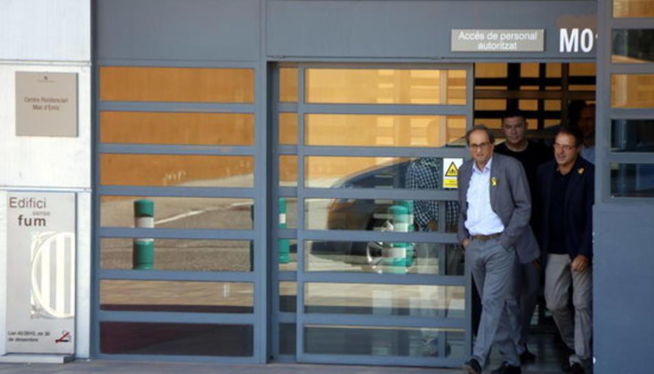 El president de la Generalitat, Quim Torra, sortint del centre penitenciari de Mas d'Enric, al Catllar, després de visitar a l'expresidenta del Parlament, Carme Forcadell.