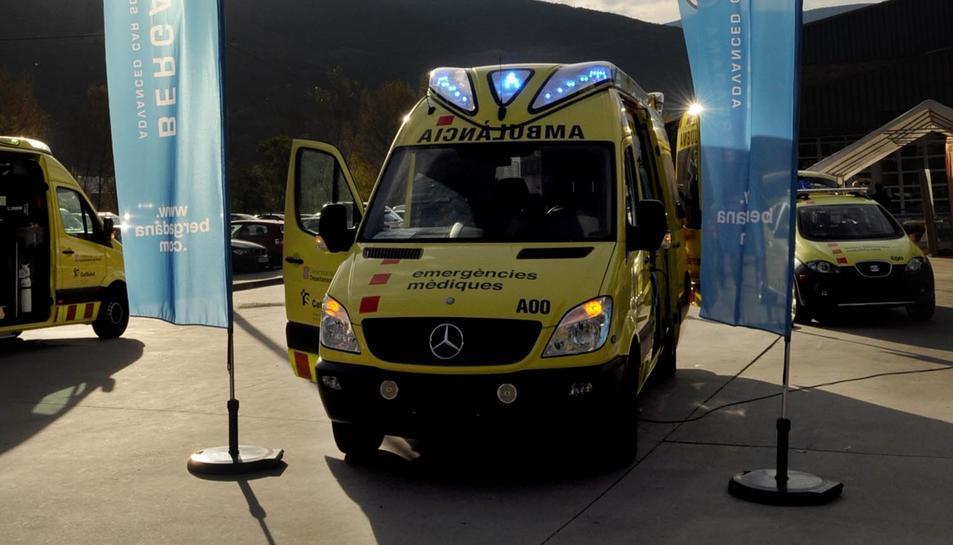 Una de les empreses carrosseres ja va mostrar les ambulàncies del SEM amb els rotatius blaus.