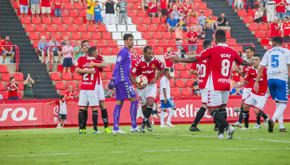 Fali serà titular a Gijón.