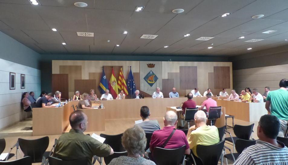 La sessió plenària es va celebrar ahir a l'Ajuntament de Salou.