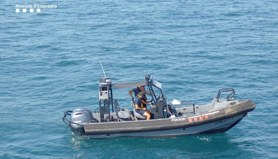 El dispositiu el van dur a terme la Unitat Regional de Medi Ambient (URMA) i la Unitat Aquàtica del Cos de Mossos d'Esquadra.