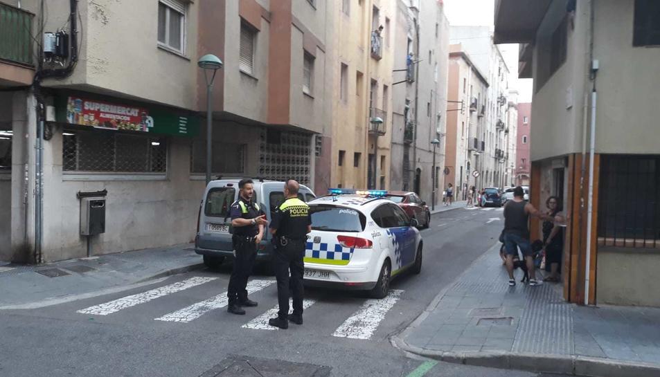 Fins al lloc s'ha desplaçat la Guàrdia Urbana, el SEM i els Bombers de la Generalitat.