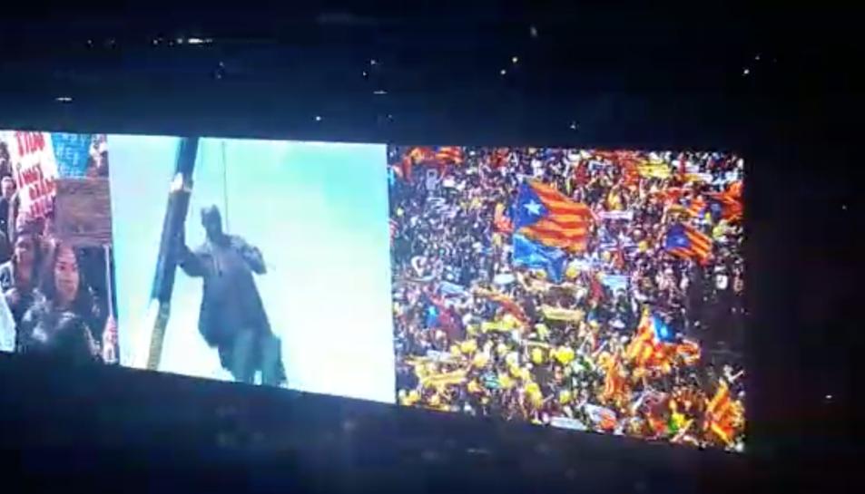 Moment en què apareix la manifestació catalana