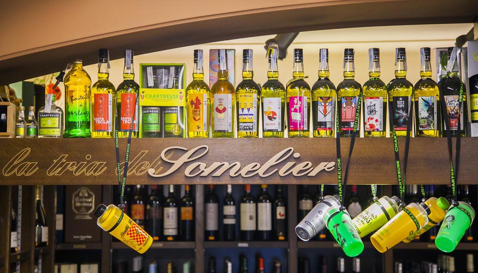 L'establiment Can Domènech té a la venda un gran ventall de varietats de Chartreuse.