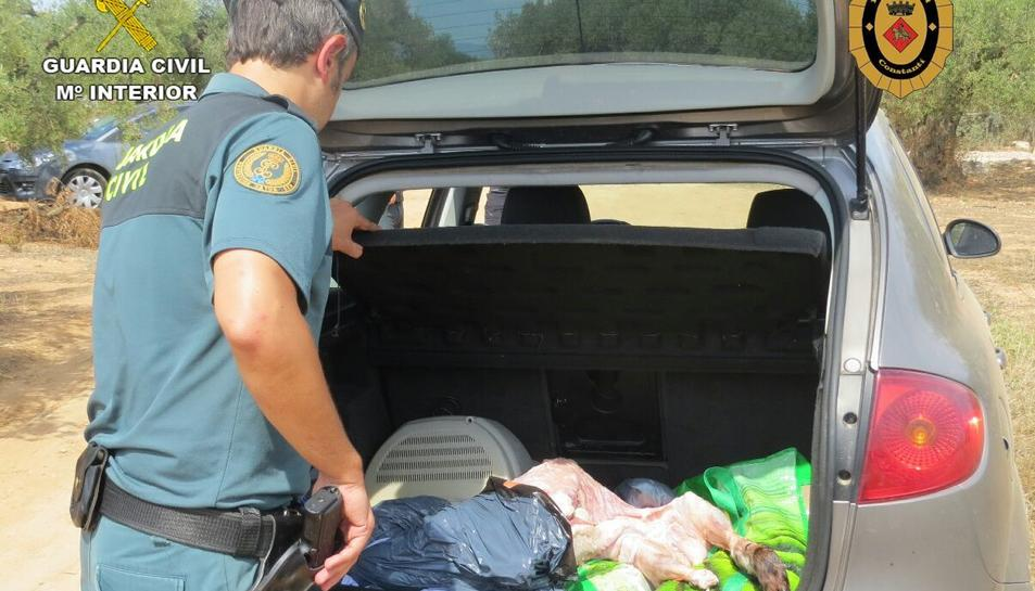 Els clients transportaven en vehicles particular la mercaderia, sense les mínimes condicions higièniques.