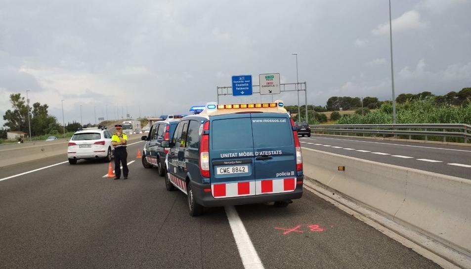 L'accident s'ha produït al punt quilomètric 1.147 de l'A-7 a Vila-seca.