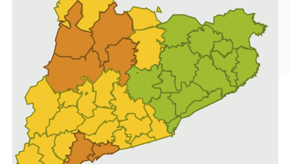 Mapa de la previsió de pluges de les 18h a les 00h, amb el Tarragonès i el Baix Camp en alerta taronja per perill alt.