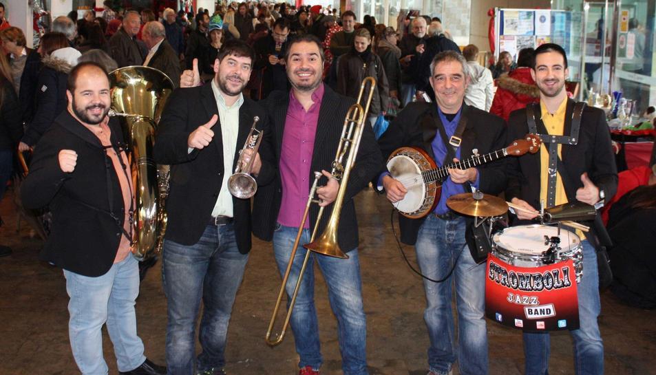 La Stromboli Jazz Band actuarà aquest dijous a les 22h als jardins de l'Ajuntament.