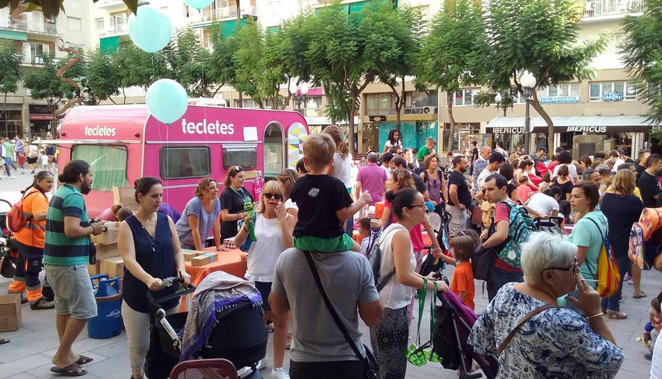 La PlayTruck de Tecletes en una festa a la plaça Verdaguer.