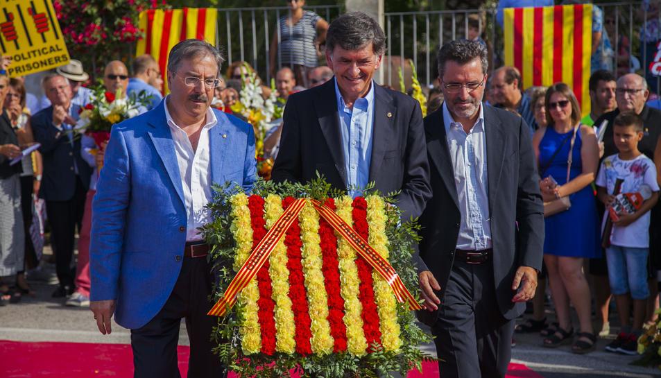 GALERÍA: La ofrenda floral de la Festividad a Rafel Casanova (4)