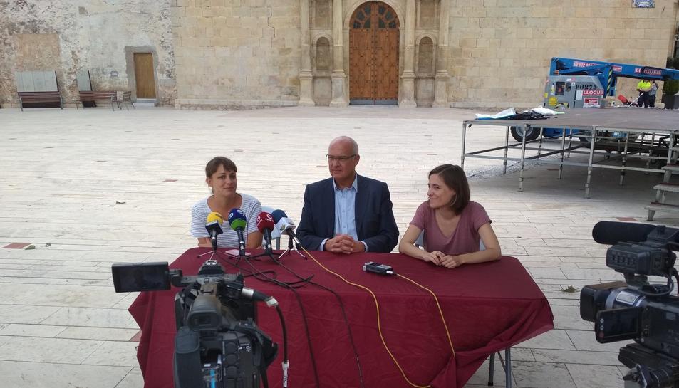 D'esquerra a dreta, Carla Sospedra,