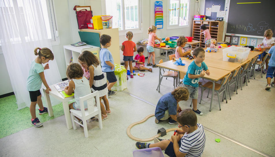 Imatge d'una aula de l'Escola de l'Arrabassada en el primer dia del curs 2018-2019.