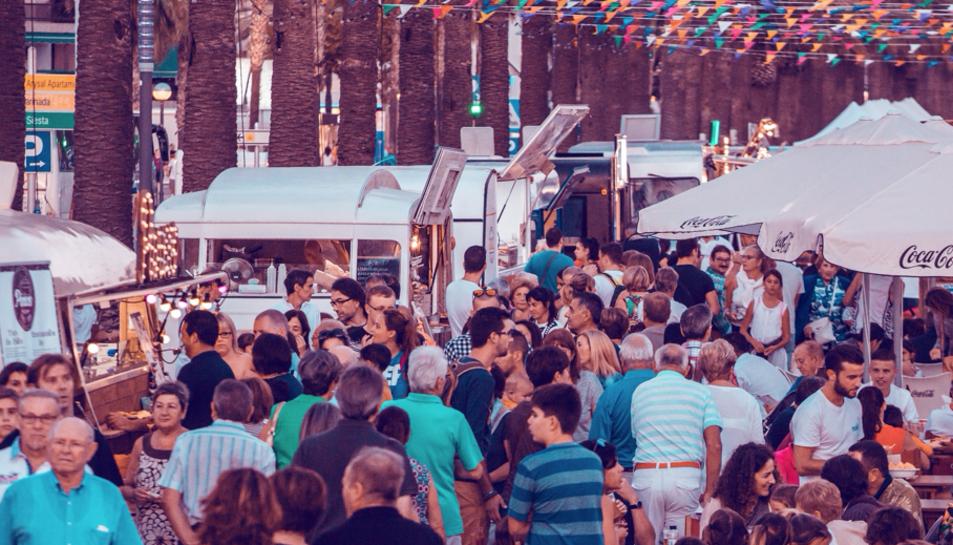 El Nomad Festival arriba a Salou carregat de música, 'foodtrucks' i un mercat.