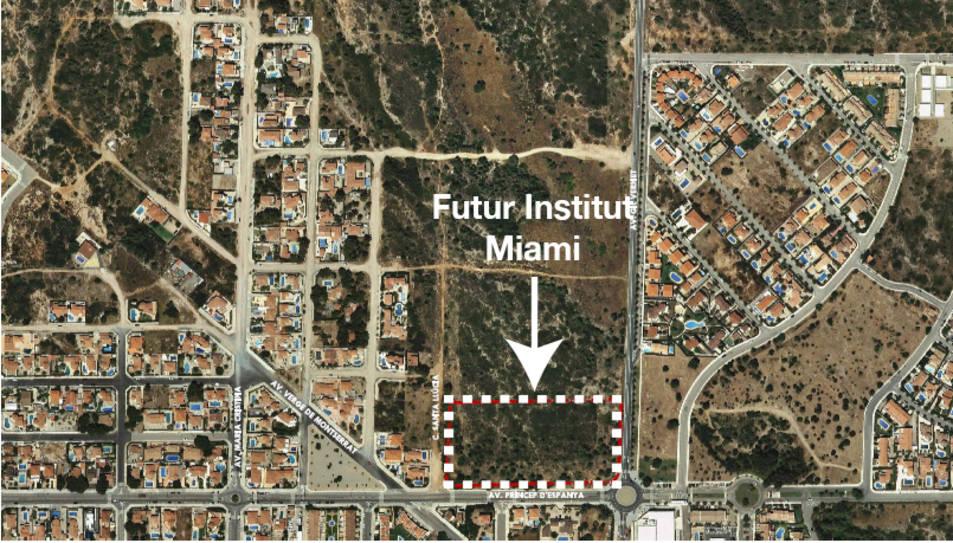 Terrenys on es construirà el futur institut Miami.