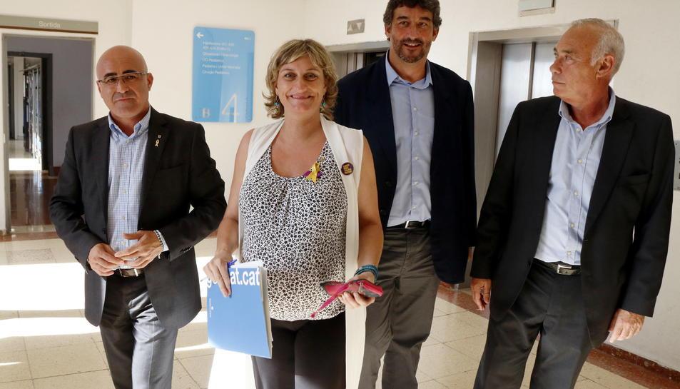 La consellera de Salut, Alba Vergés, amb Òscar Peris i Ramon Descarrega.