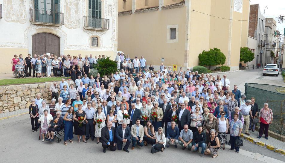 Foto de família de la Festa de la Gent Gran del Morell.