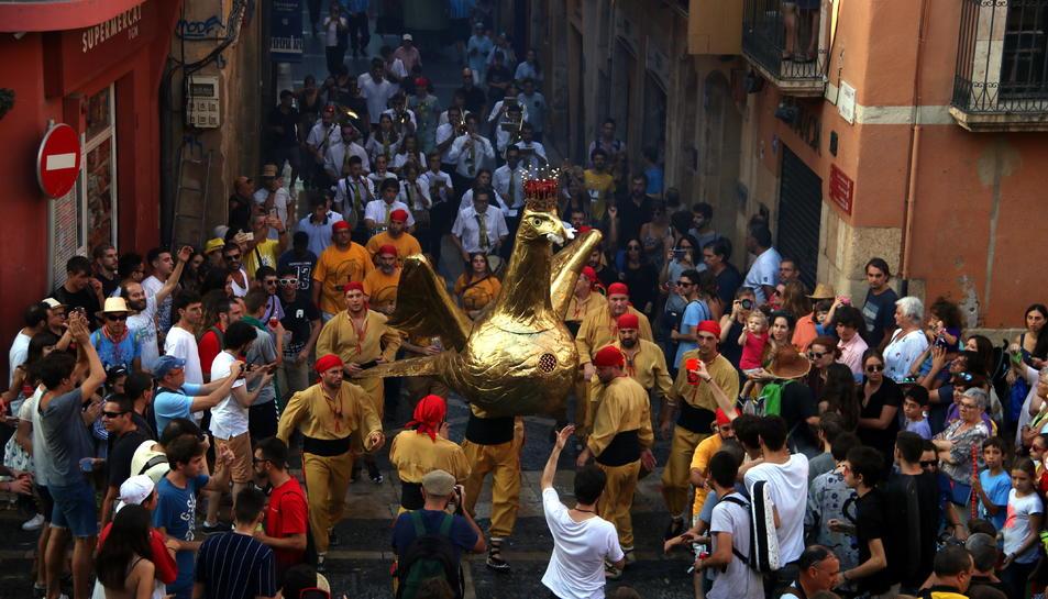 L'Àliga de Tarragona en l'Anada a Ofici amb el Seguici Popular a les festes de Santa Tecla.