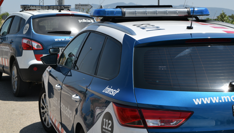 Imatge d'arxiu de dos vehicles dels Mossos d'Esquadra.