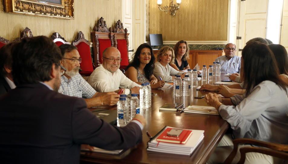 Javier Villamayor  i Víctor Sánchez, en la presentació del balanç dels Jocs Mediterranis.