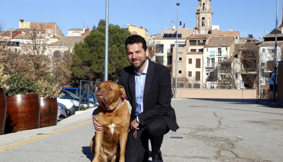El denunciat Jonas Amadeo Lucas amb el gos Leben.