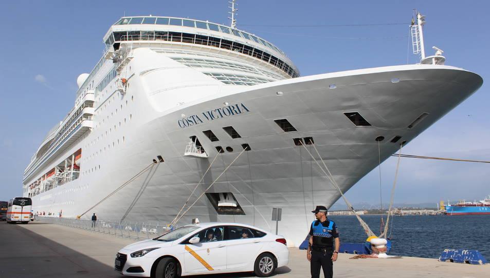 El Costa Victoria va emprendre el passat divendres el darrer viatge de la temporada des de la ciutat.