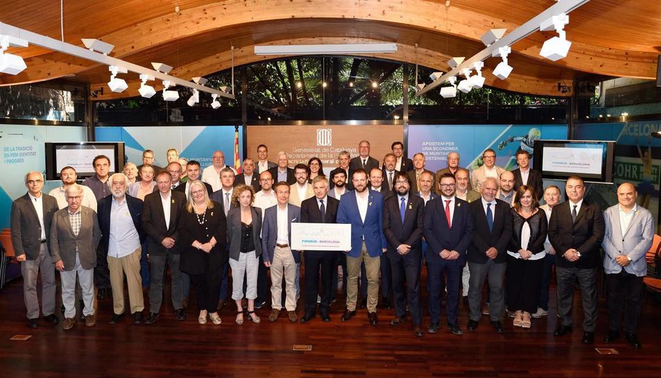 Els assistents a la reunió de la Taula de Treball Permanent per una Candidatura Olímpica d'Hivern Pirineus-Barcelona amb el COI, el juny passat.