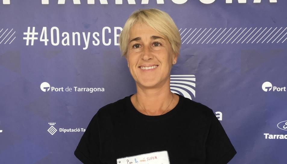 Yoli Pueyo es mostra orgullosa del que ha aconseguit al club cebetista.