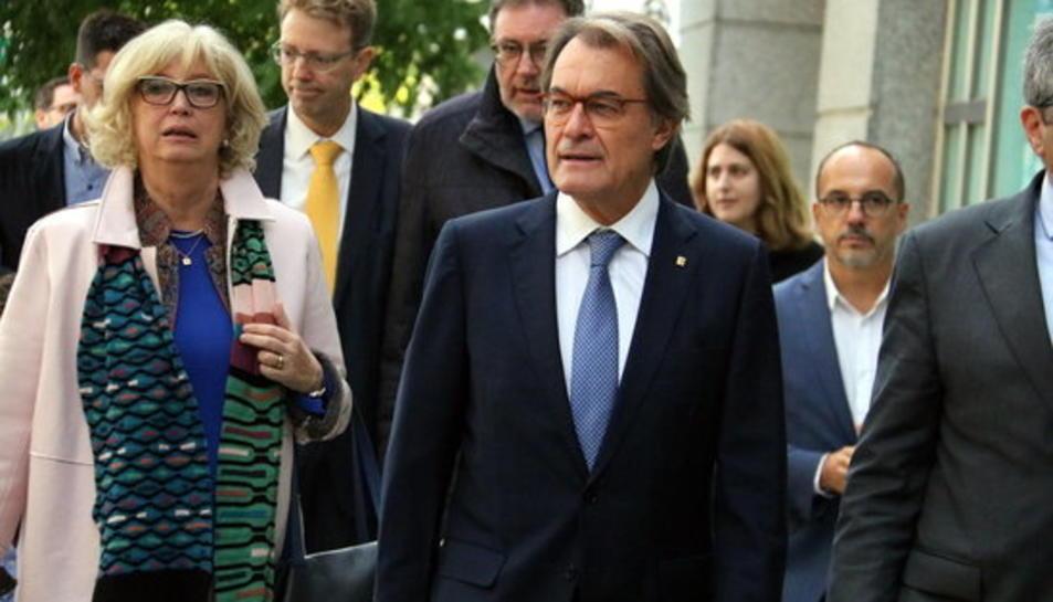 L'expresident Artur Mas i l'exconsellera d'Ensenyament, Irene Rigau, el 10 d'octubre de 2018 arribant al Tribunal de Comptes