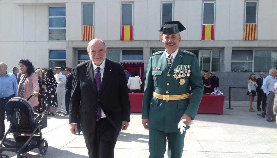 El Subdelegat del Govern, Joan Sabaté, amb el cap de la Comandància de la Guàrdia Civil, el Tinent Coronel, Vicente Luengo.