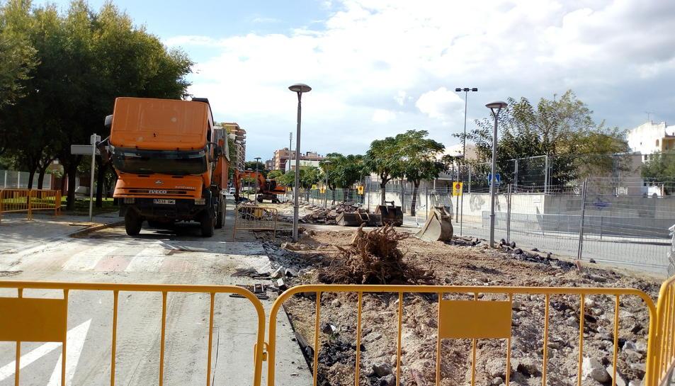 Els treballs han començat al darrer tram de carrer, el que es troba annex a l'escola Centcelles.