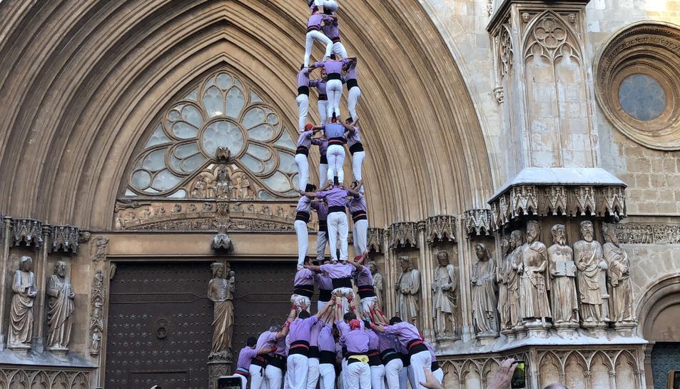4 de 9 amb folre de la Jove de Tarragona