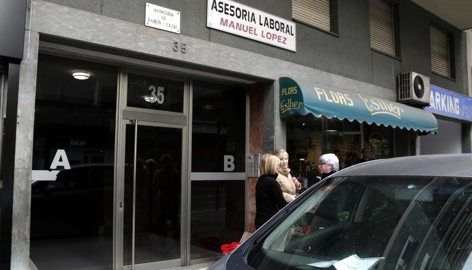 Un immoble del carrer de Ramon y Cajal de Tarragona on s'ha produït una intervenció de la Guàrdia Civil.