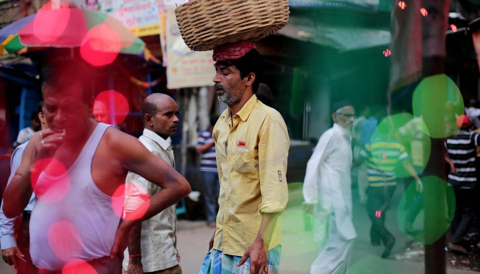 Imatge d'arxiu d'un carrer de Calcuta.