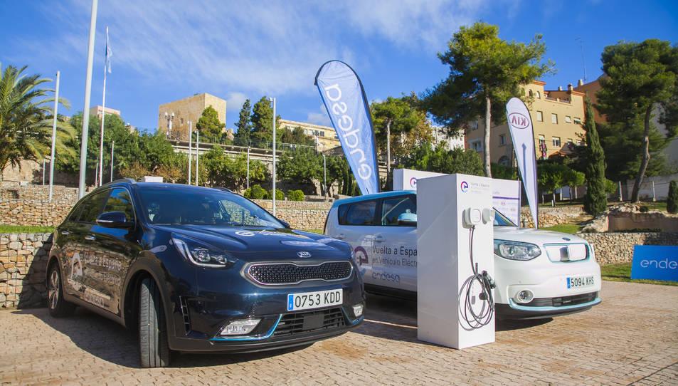 Els dos vehicles de KIA que participen en aquesta iniciativa.