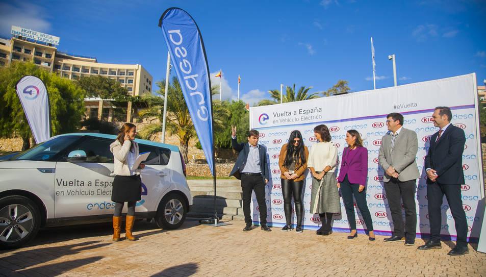 Volta a Espanya en vehicle elèctric a Tarragona amb Endesa i Samantha Vallejo-Nagera