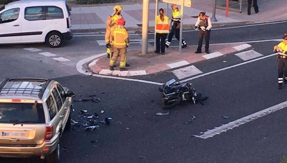 Una moto ha topat contra un cotxe a l'N-340 a Tarragona.