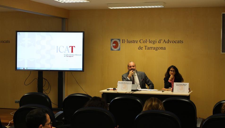 Imatge de la sessió informativa de l'ICAT sobre