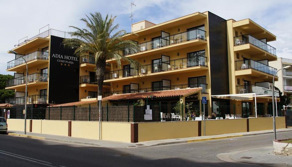 Els gerents de l'Adia Hotel Cunit Platja han declinat acollir les jornades.
