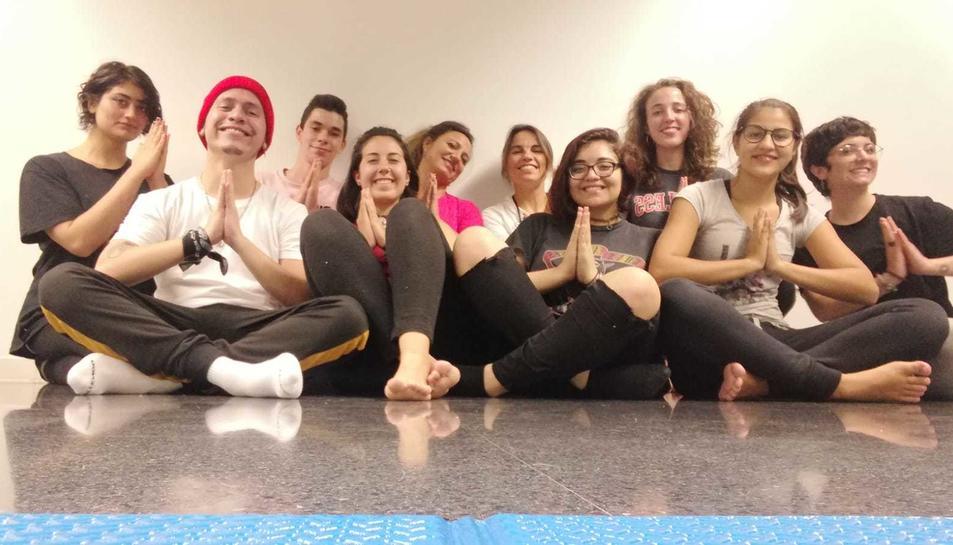 Al taller els joves reben el suport de professionals en tot allò que fa referència a la salut i intel•ligència emocional.