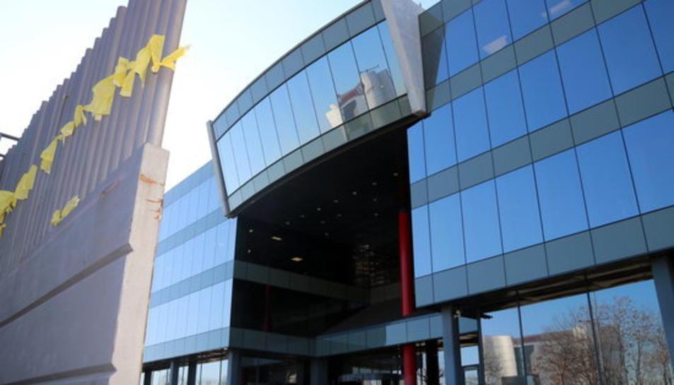Imatge de l'accés principal al Centre de Telecomunicacions i Tecnologies de la Informació .