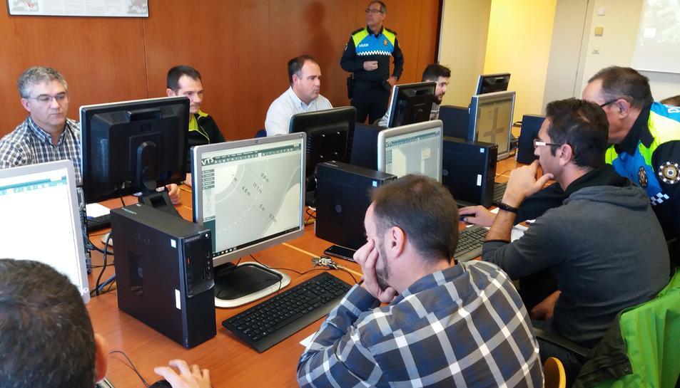Imatge del curs de formació per a l'ús del nou programa.