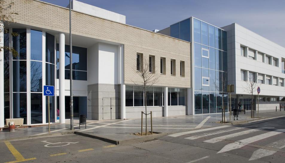 Façana de l'Hospital Lleuger de Cambrils on es passa consulta ginecològica.