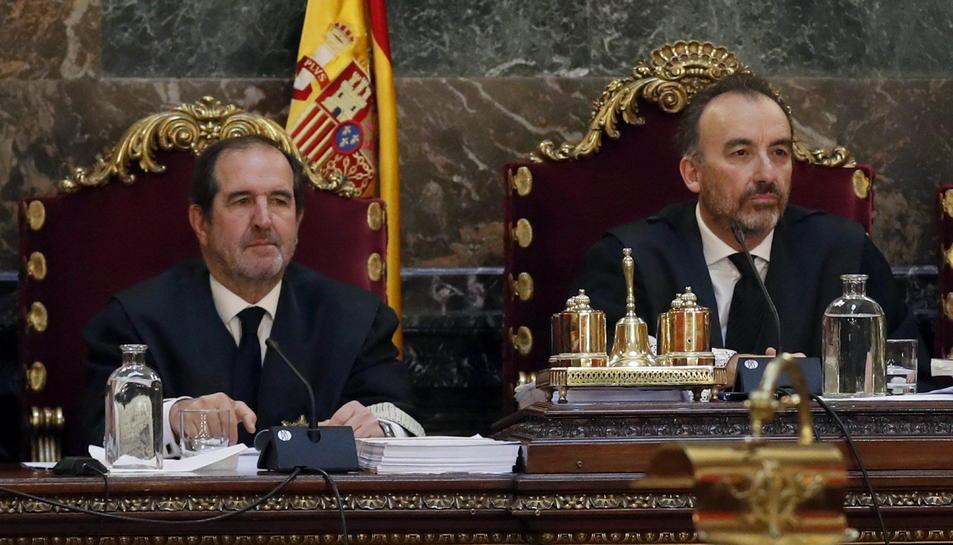 A la dreta, Manuel Marchena, juntament amb Andrés Martínez Arrieta, en una imatge d'arxiu.