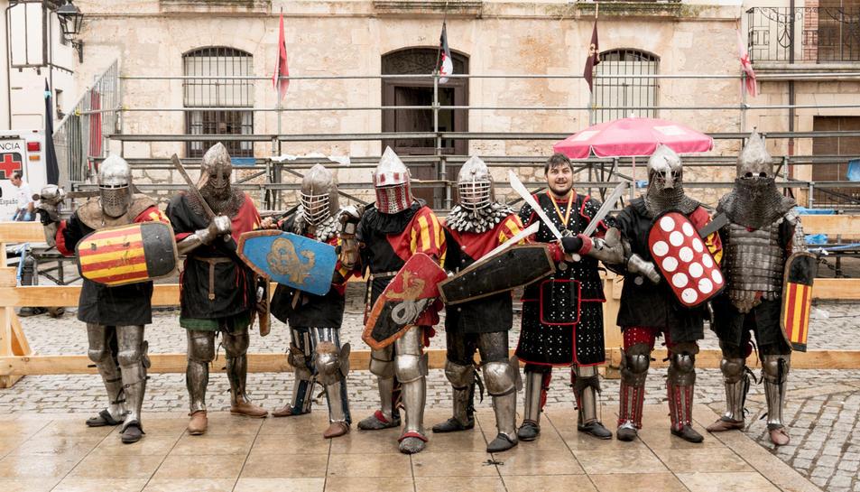L'equip Born Combat Medieval, en què competeixen els tres esportistes tarragonins.