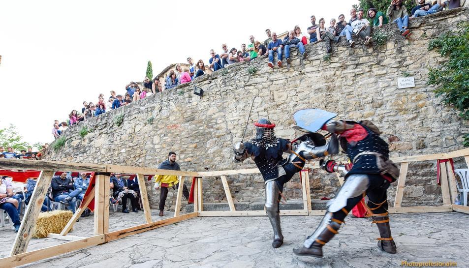 Un combat al castell de Montsonís.