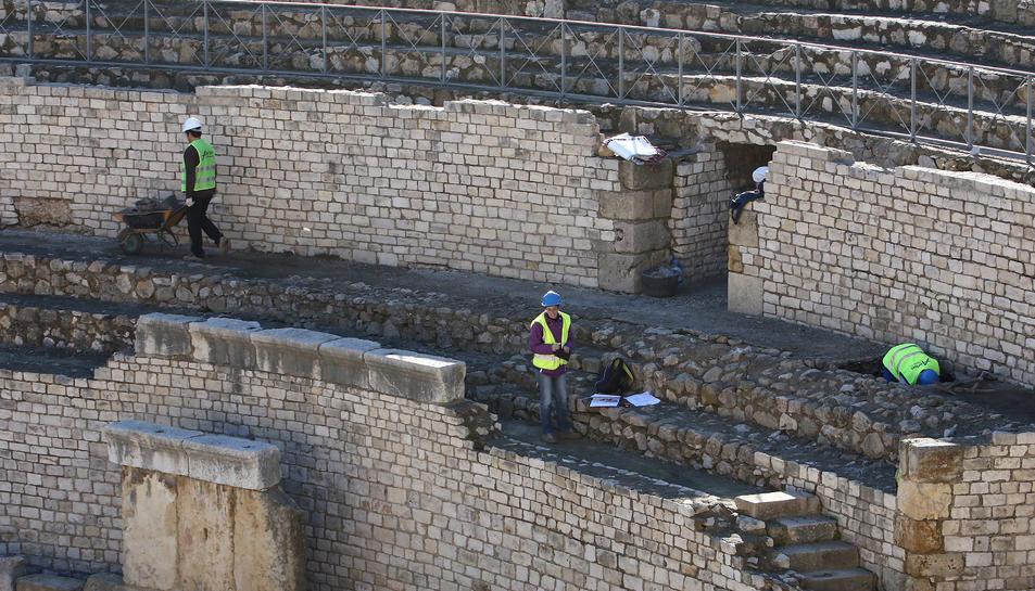 Les prospeccions arqueològiques i l'anàlisi de les estructures es fan a la zona construïda als 70.