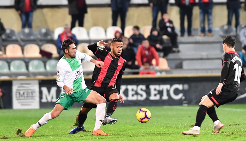 Imatge del CF Reus-Extremadura, en què els de Xavi Bartolo van encaixar un dolorós 1-4.