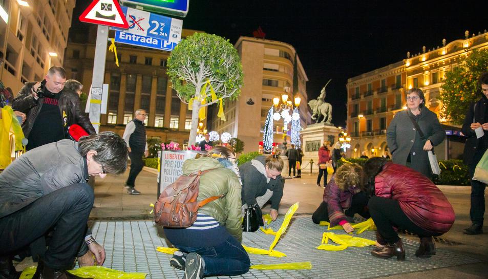 Els participants a l'acte van repartir-se espontàniament per diferents punts de la ciutat.