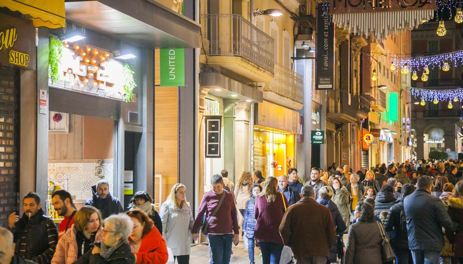 Imatge de les botigues obertes a Reus.