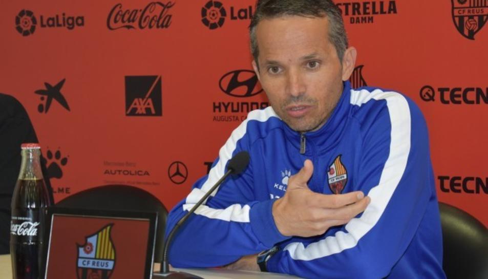 Xavi Bartolo durant la roda de premsa.